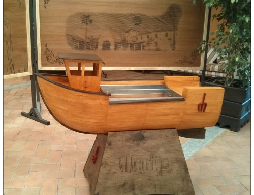 Barco expositor de marisco